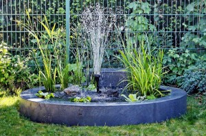 BOVEGA Gartenbox mit Springbrunnen